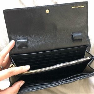 Marc Jacobs Bags - Marc Jacobs Quilted Lambskin Clutch